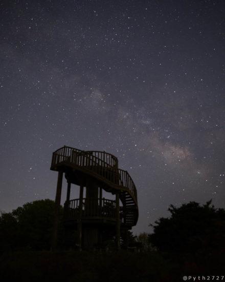 神野山山頂展望台と天の川