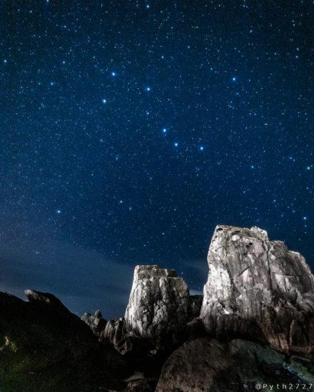 串本橋杭岩と星空