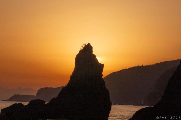 串本橋杭岩と日の出