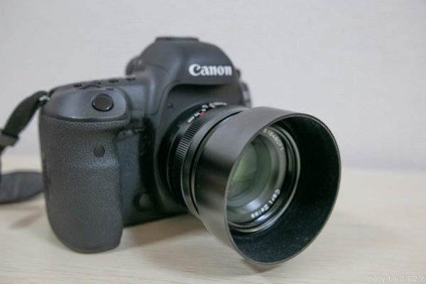 Carl Zeiss Planar をカメラに装着