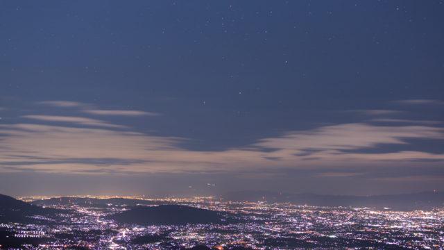 大和葛城山山頂からの夜景と星空を撮影しました(奈良県御所市)