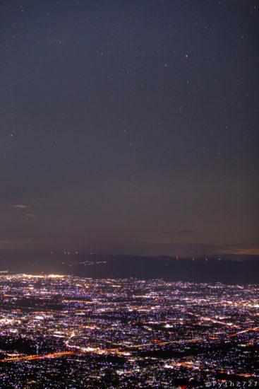 葛城山の夜景と星空