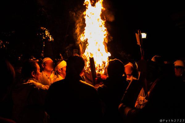 大神神社のご神火祭り