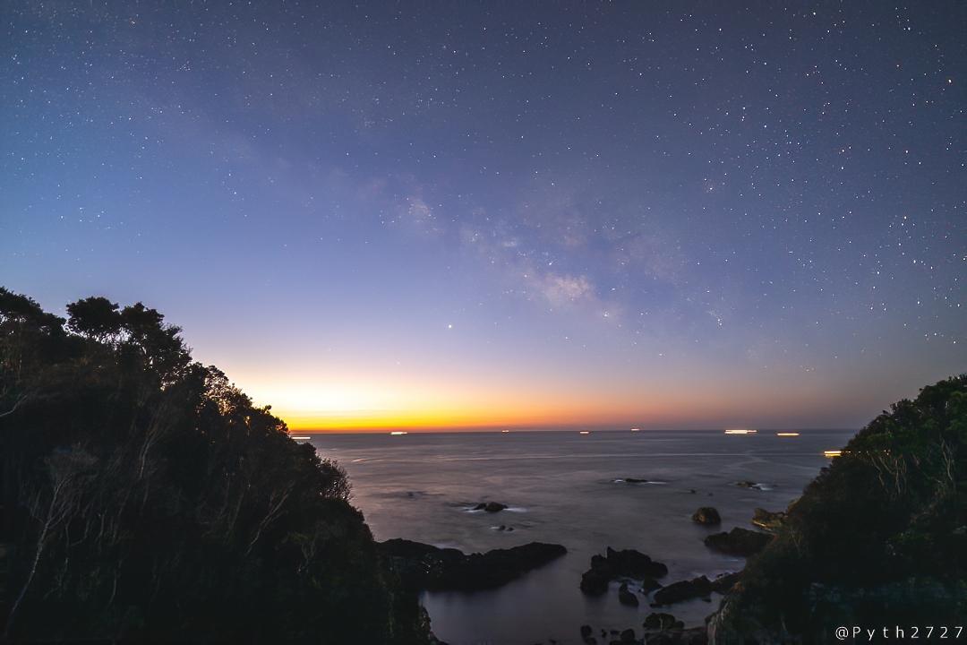 樫野埼灯台の星空