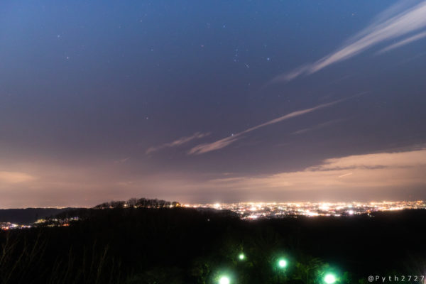 信貴生駒スカイラインの夜景と星空