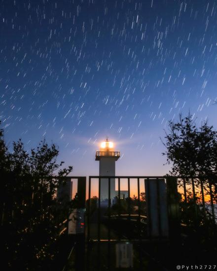 夜の安乗崎灯台
