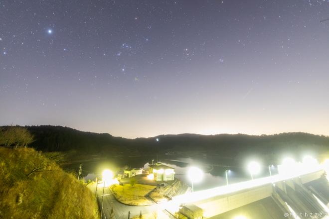 上津ダムの星空