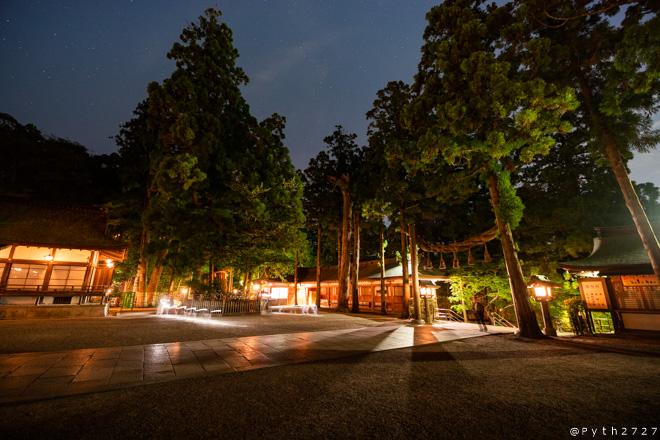 大神神社 夜
