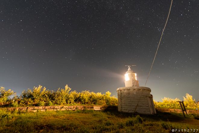 立石岬灯台 夜