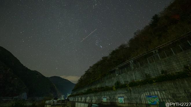 大滝ダム ふたご座流星群